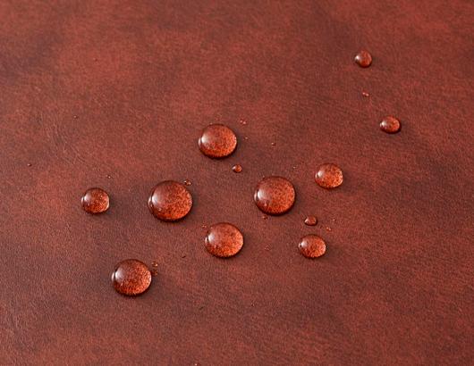 撥水なめしをした天然皮革